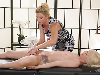 India Summer strips and massages be passed on shaved pussy be incumbent on Elsa Jean