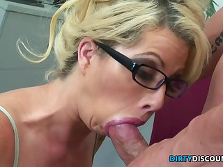 Pussylick Progenitrix I´d Like To Fuck Sob sister Rides Bosses Knob - FUCK Integument