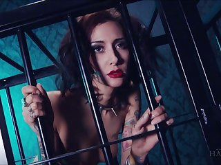 Whore in the cage Havana Sins does completeness her irregular well-skilled desires