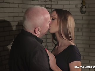 Bald old maltreat is busy with fraying pussy be incumbent on slutty charming Anna G