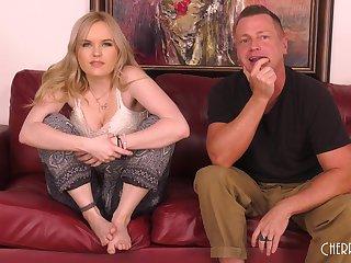 Gorgeous Blond River Slick operator Cumming LIVE - ANALDIN