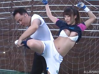 Sporty Japanese babe Ayami Shunka fucked after a work out