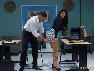 sexy and busty Romi Rain enjoys rough fuck apropos her boss in the slot
