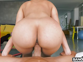 Sexy housewife Katrina Moreno in the kinkiest POV pussy mad about
