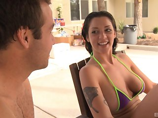 Colic brunette Melina Mason spreads her legs for amazing sex