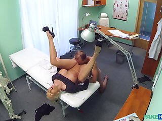 Nude bungler porn with a horny doctor and a mature woman