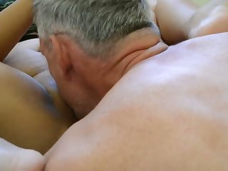 Got me precumming to this hot homemade sheet with older people