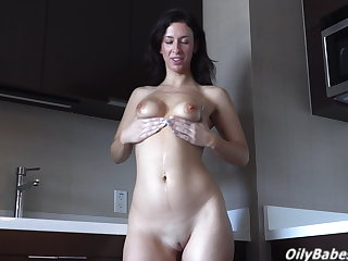 Sarah Jessie's big ass turns you on