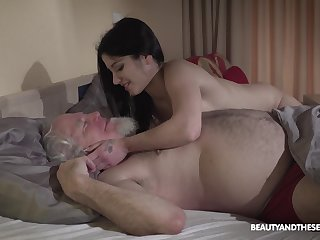 Young wifey Emily Brix is craving be fitting of sex near old husband early fro the morning