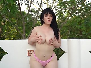 Emilyxxx Outdoor Solo