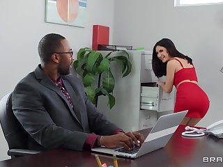 Things fervency up in the office for babes Jane Wilde and Rocky Emerson