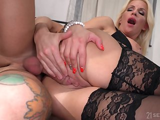 Lad fucks busty aunt with an increment of cums unaffected by her huge jugs