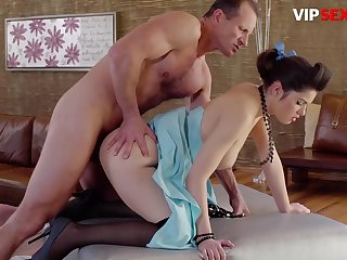 Suzy Bell Gorgeous Hungarian Teen Gets Her Tight Pussy Fucked At the end of one's tether Horny Lover